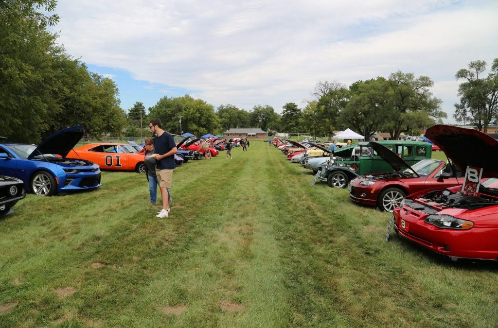 IAM Midwest Territory 'Rides for Guides' Car Show Raises Over $8.5k for Guide Dogs